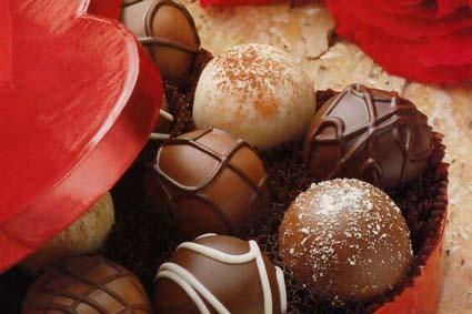 Que a vida seja a cada instante, chocolate, champagne e rosas!